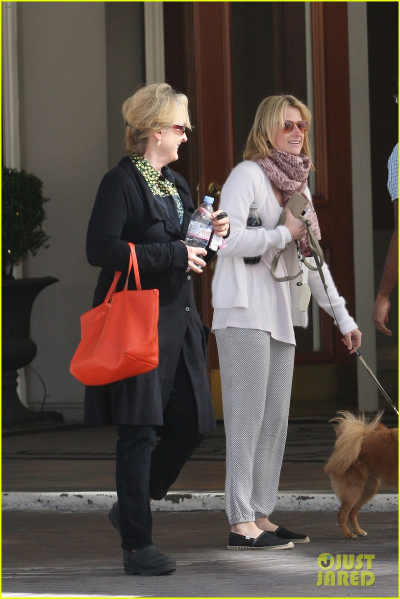 mamie gummer post split easter outing with meryl streep 02