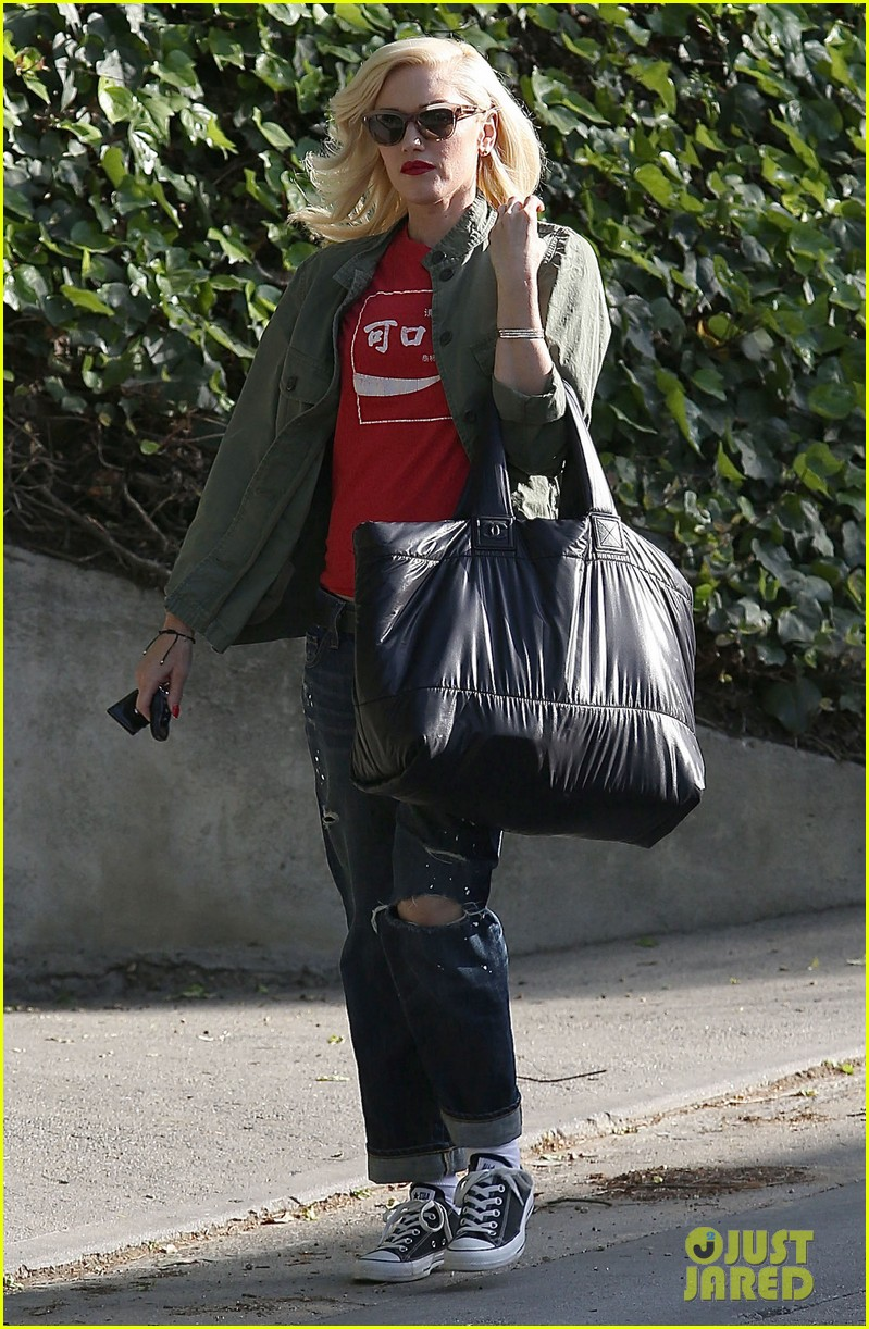gwen stefani tuesday errands in la 082857184