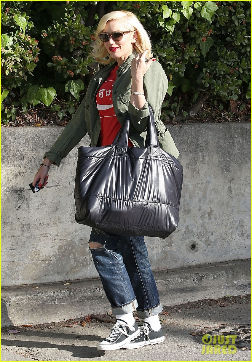 gwen stefani tuesday errands in la 142857190