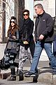 halle berry pregnant shopper in nyc 09