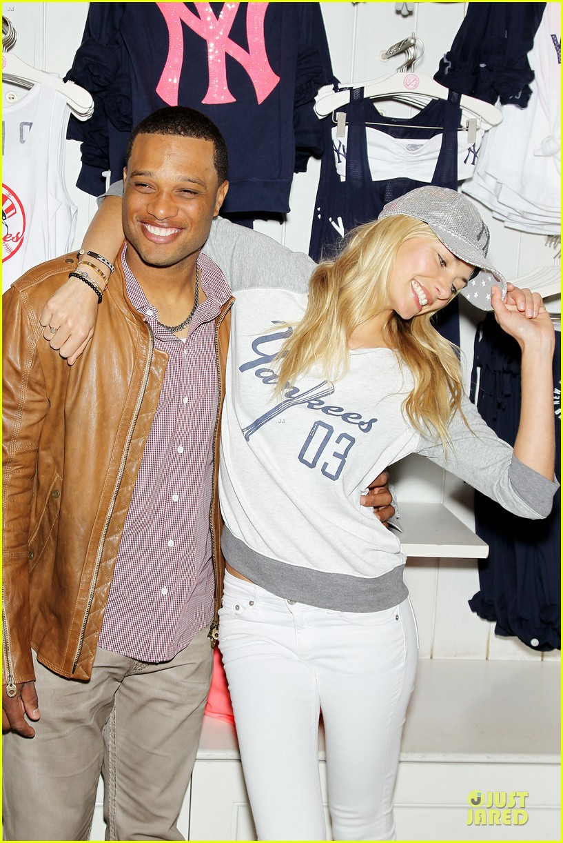jessica hart yankees opening day new pink mlb collection celebration 32
