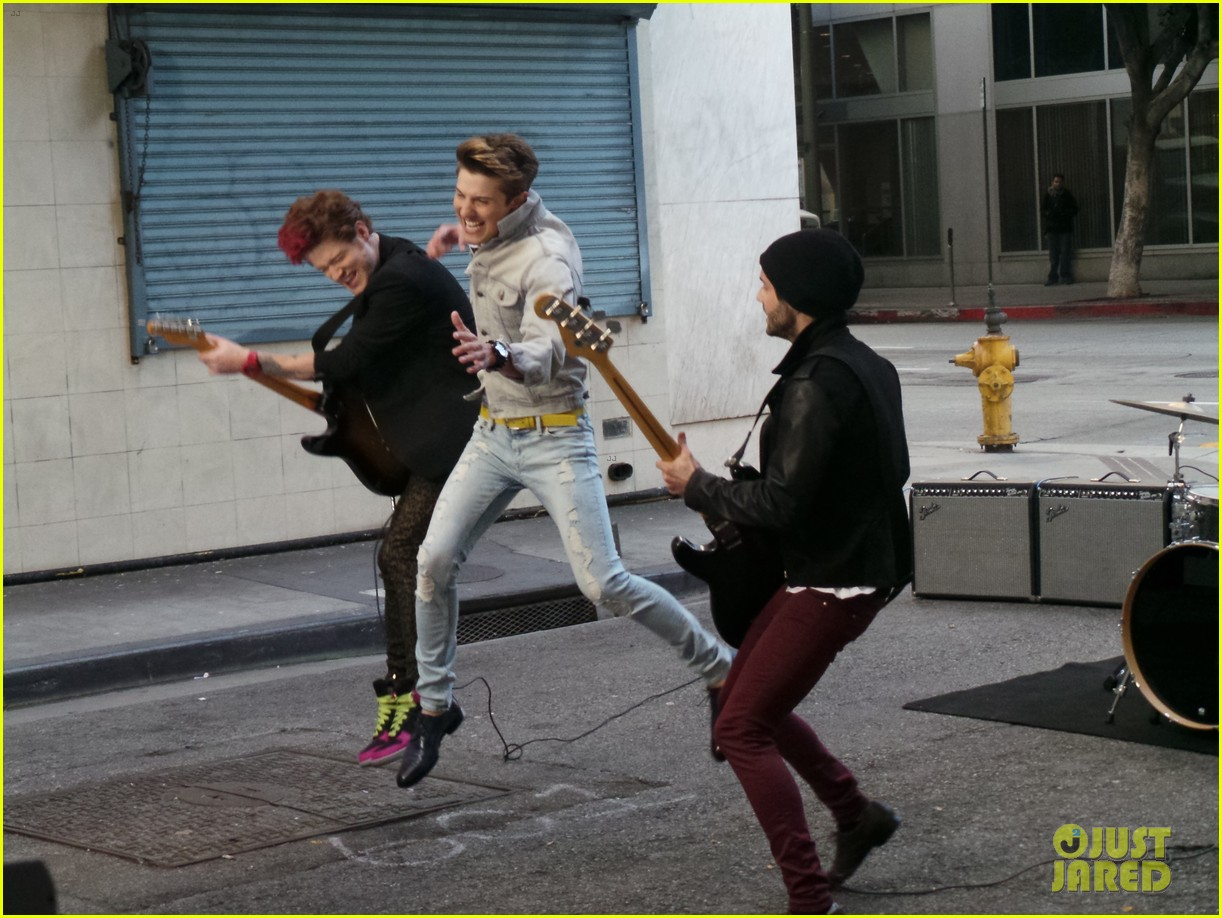 hot chelle rae hung up video exclusive set photos 05