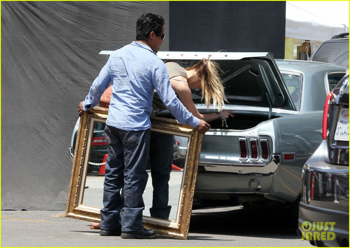 amber heard solo shopping after night with johnny depp 14