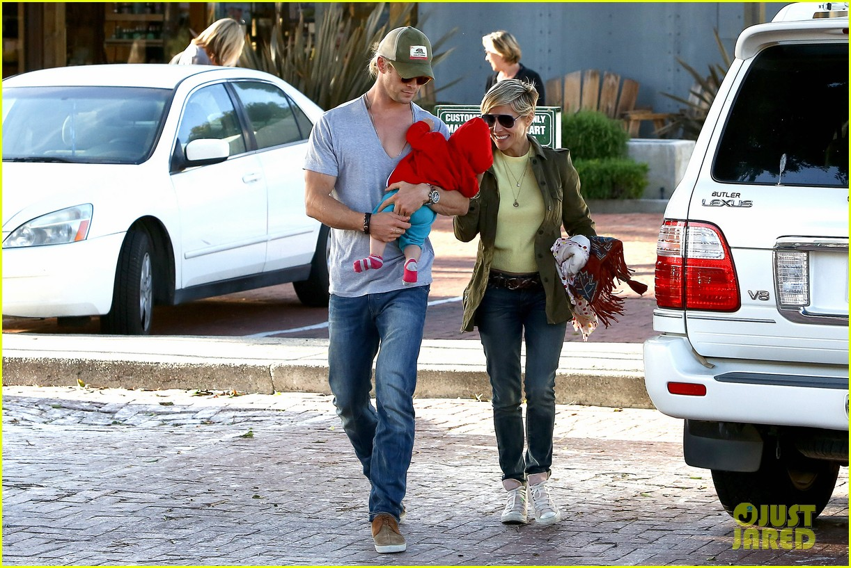 chris hemsworth elsa pataky lunchtime with india 242843675