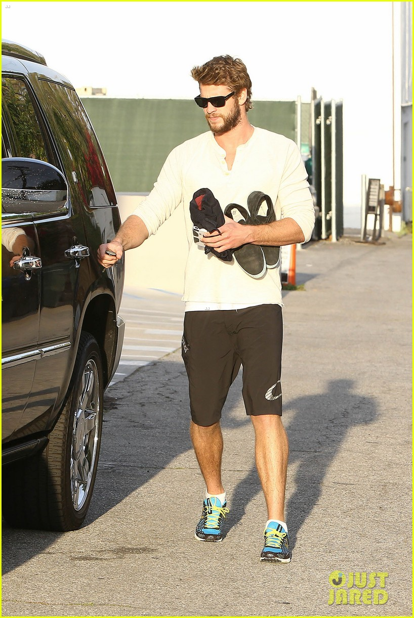 liam hemsworth steps out after the raven casting news 08