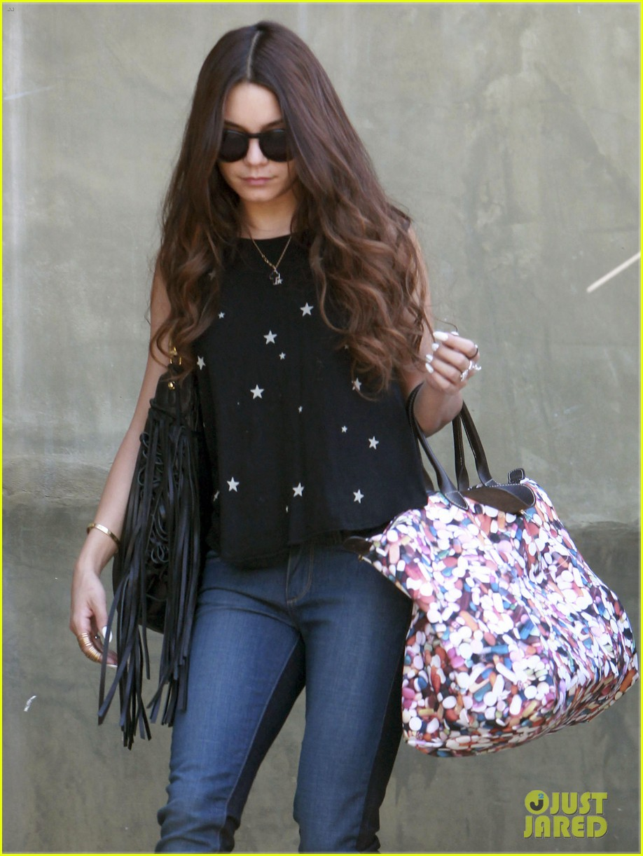 vanessa hudgens austin butler take flight in burbank 06