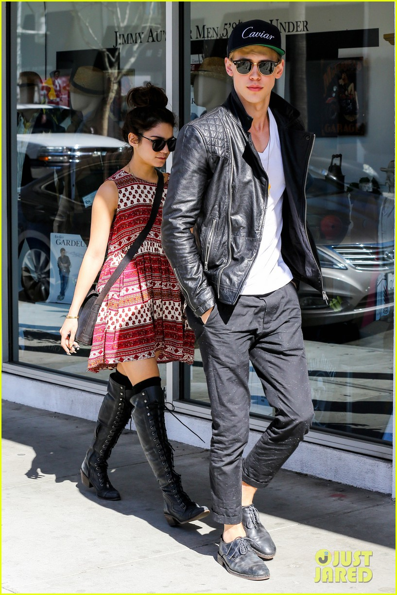 vanessa hudgens austin butler cafe roma lunch lovers 022852946