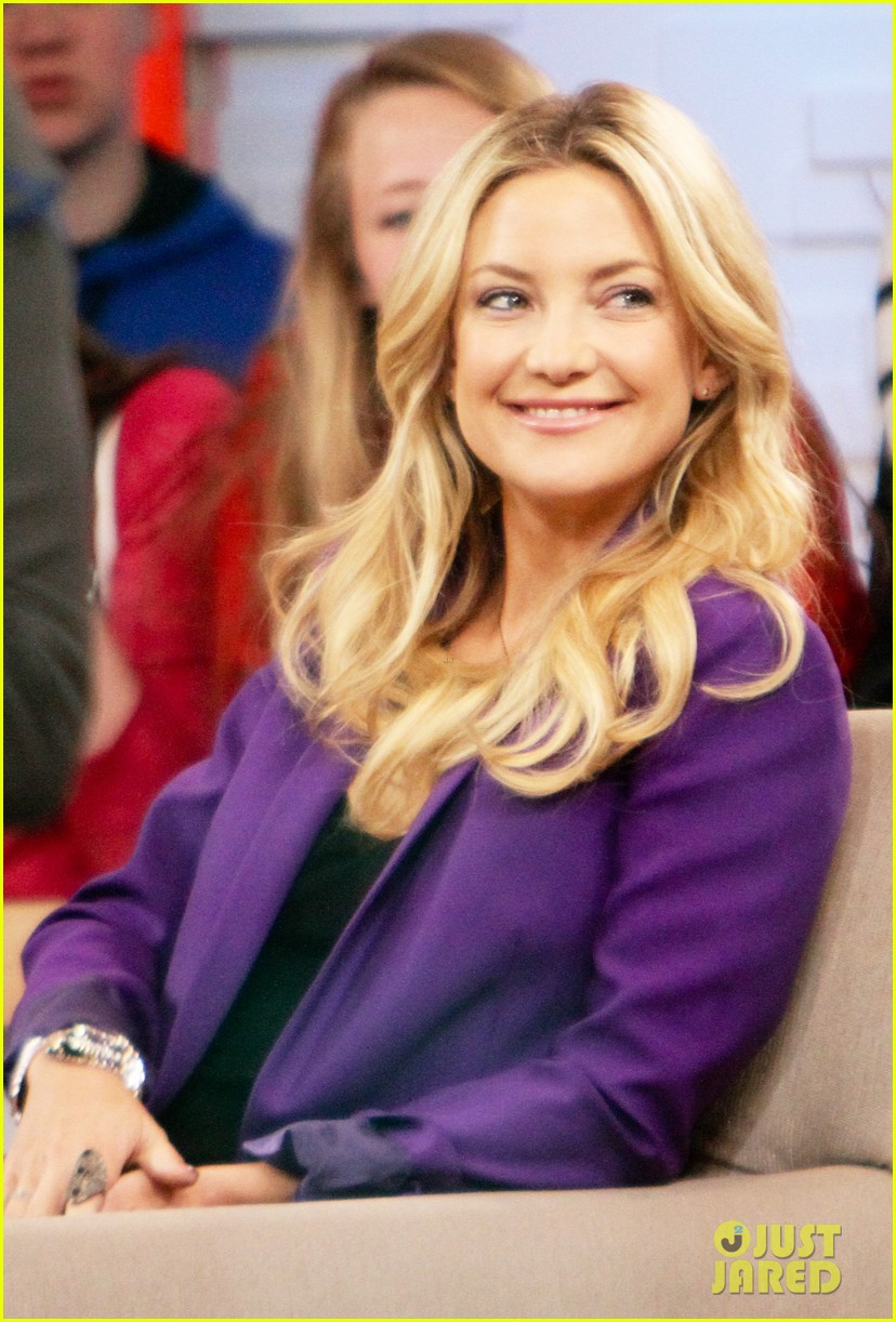 kate hudson good morning america appearance 16