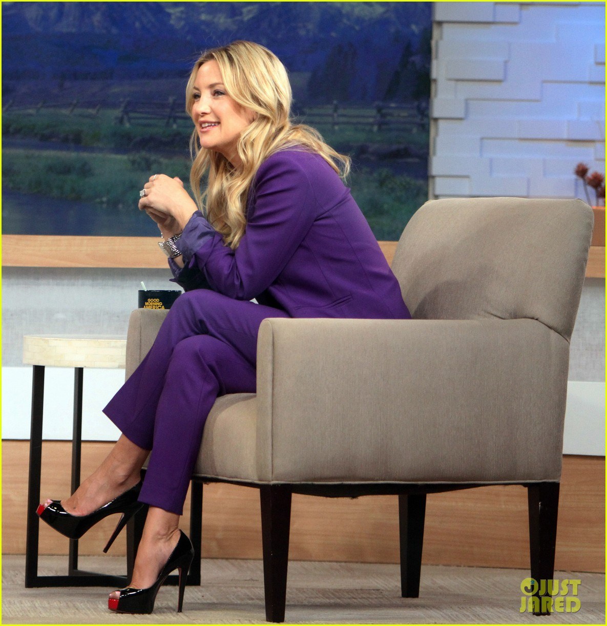 kate hudson good morning america appearance 21