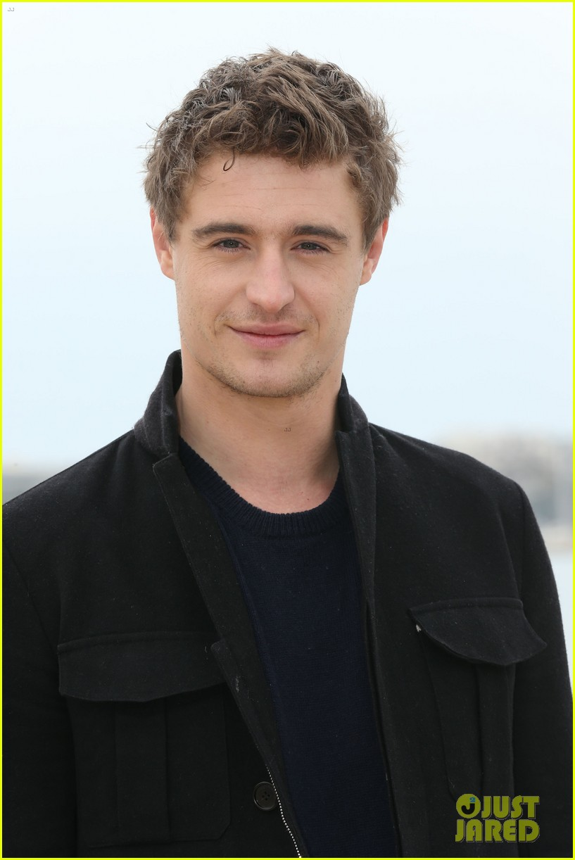 max irons white queen photo call at miptv in cannes 06