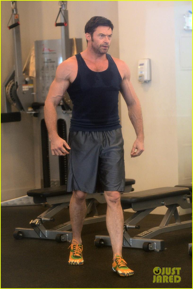 hugh jackman bulging bicep workout 19