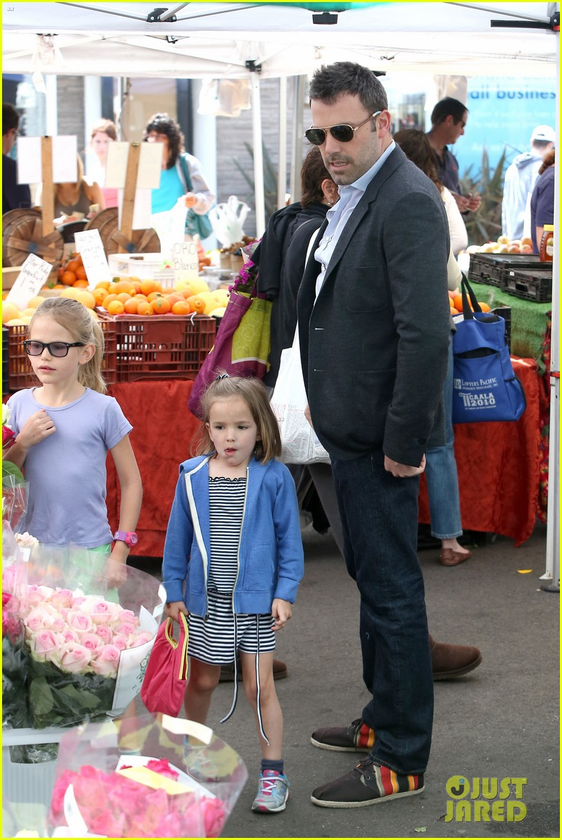 ben affleck jennifer garner track meet with the girls 27