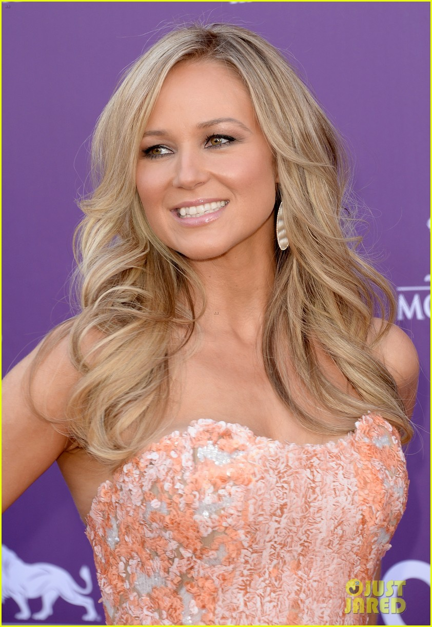 jewel acm awards 2013 red carpet 022845078