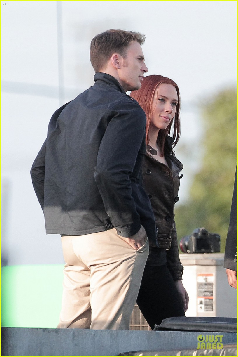 scarlett johansson chris evans captain america the winter soldier confrontations 09
