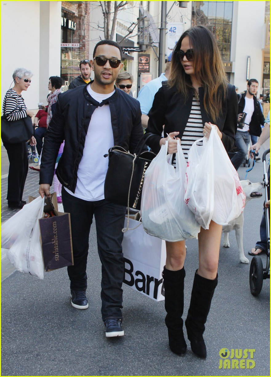 chrissy teigen john legend the grove couple 09