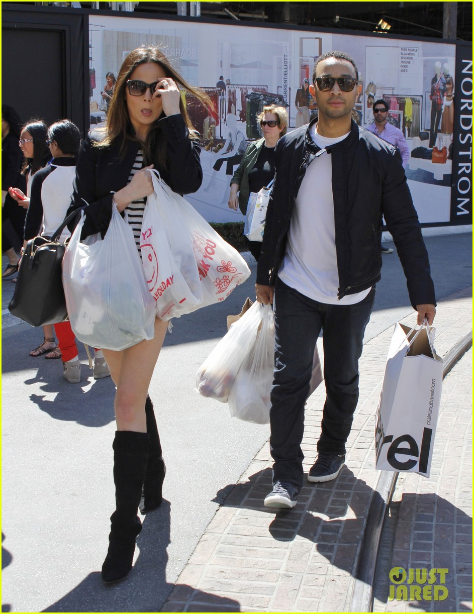 chrissy teigen john legend the grove couple 15