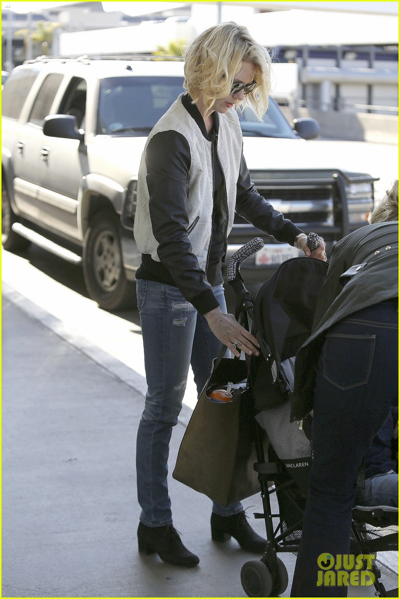 january jones friday fedex stop 052853739