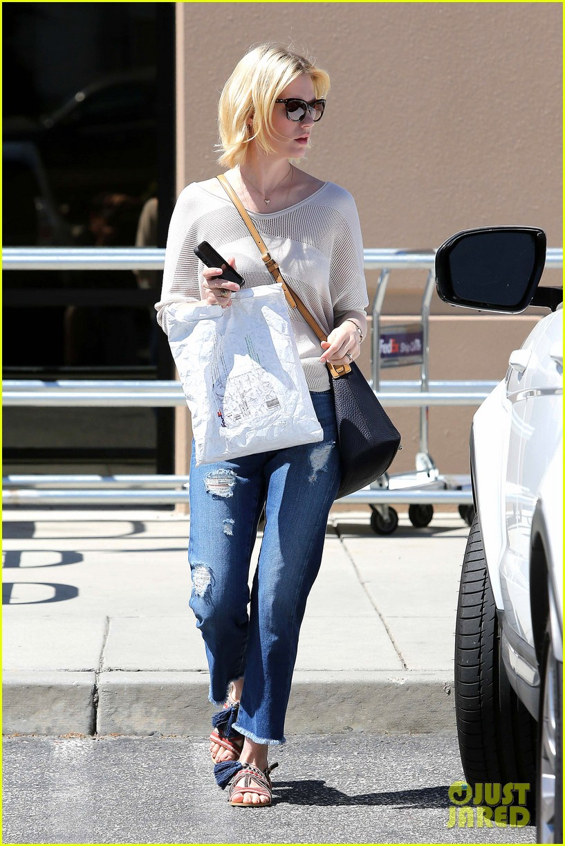 january jones friday fedex stop 21