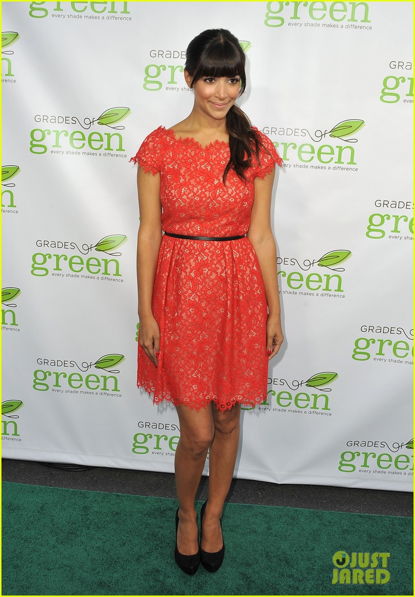 mindy kaling darren criss verde grades of green fundraiser 15