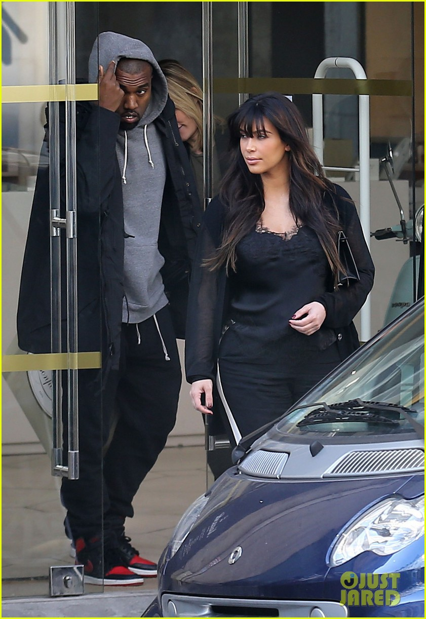 kim kardashian pregnant paris getaway with kanye west 19