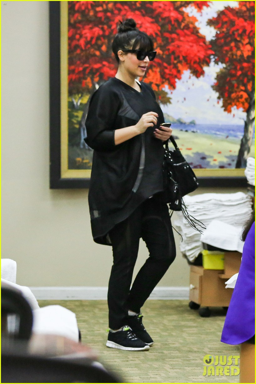 kim kardashian pregnant frozen yogurt craving 08