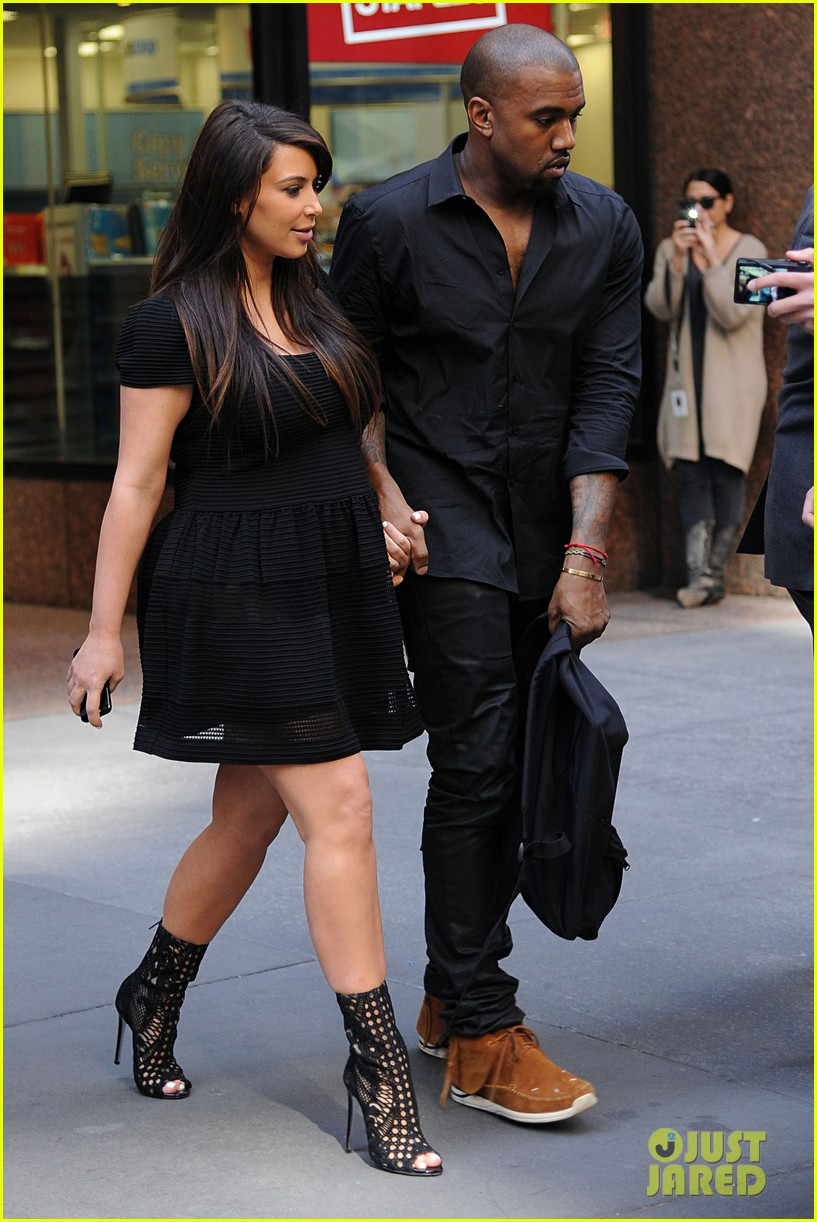kim kardashian kanye west rushed by fan wanting photo 102857440