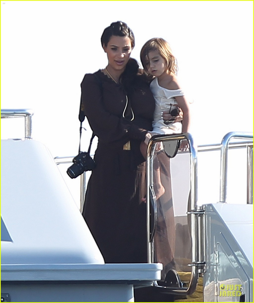 pregnant kim kardashian greece yacht with family 362859310