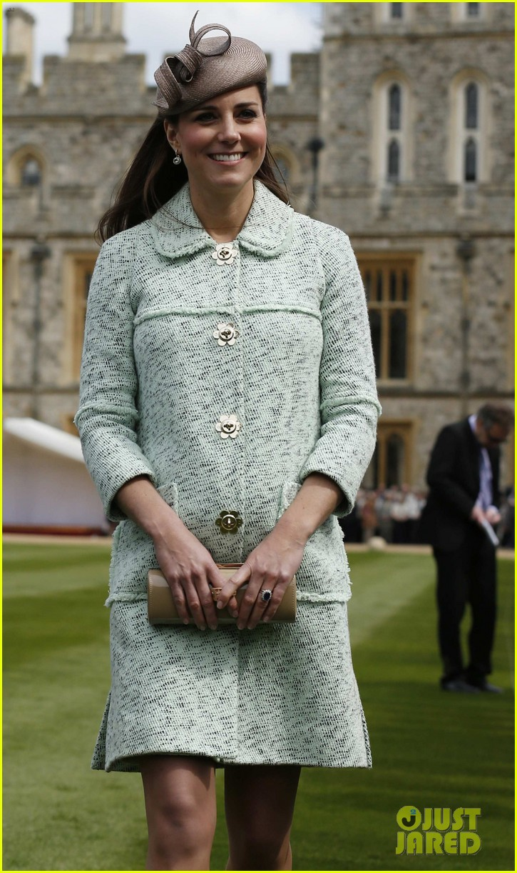 pregnant kate middleton baby bump at queen scouts review 062854852