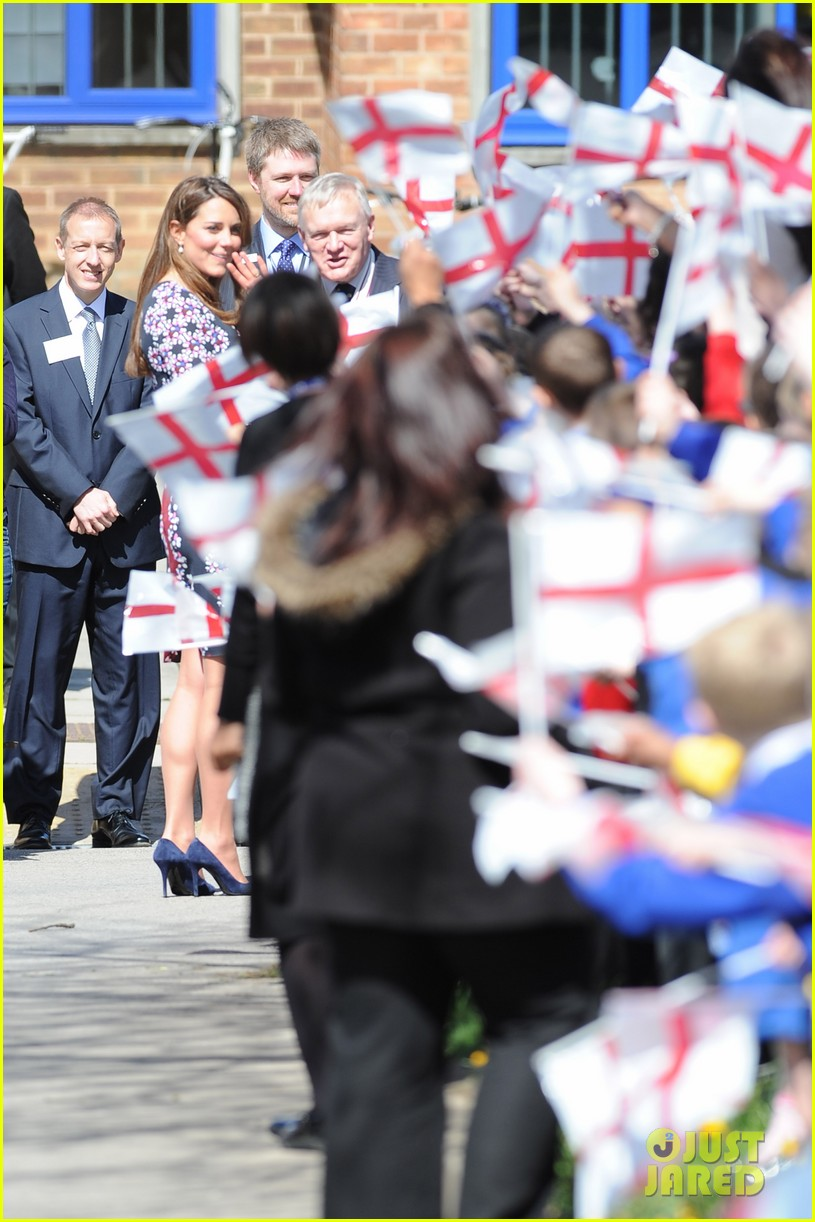 kate middleton pregnant baby bump at willows school 052856403