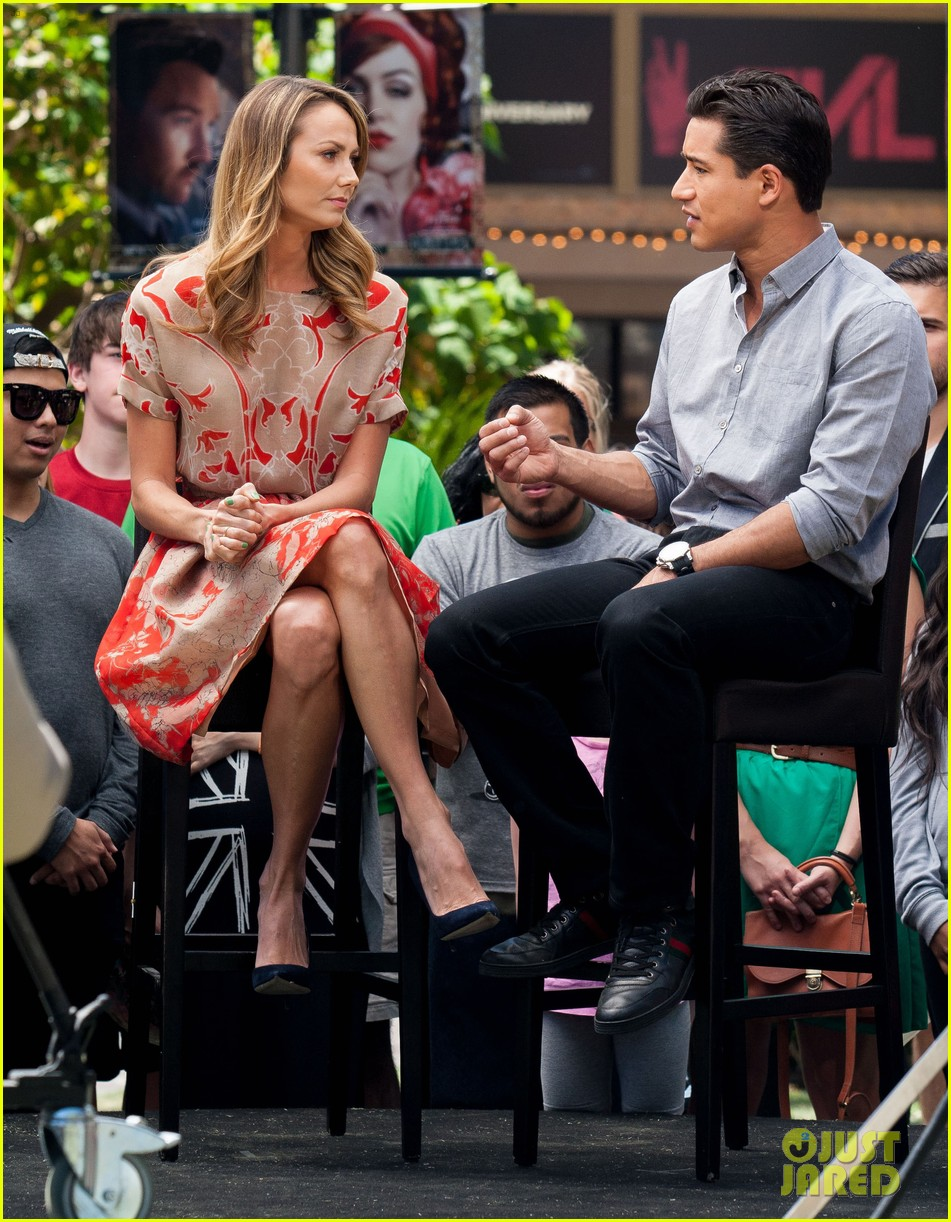 stacy keibler extra appearance with mario lopez 06