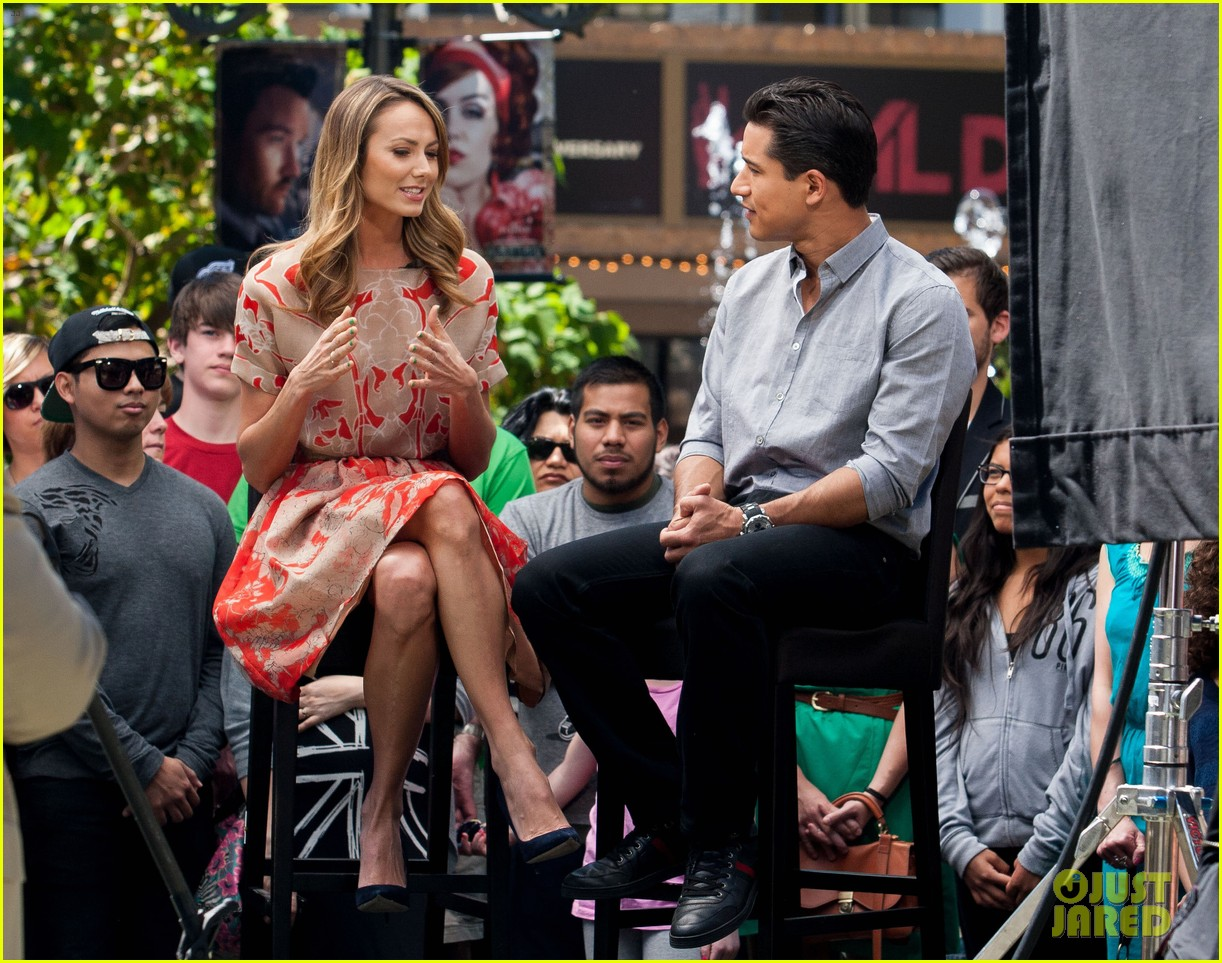 stacy keibler extra appearance with mario lopez 072852345