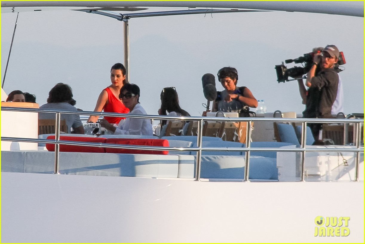 pregnant kim kardashian family boat ride in greece 35
