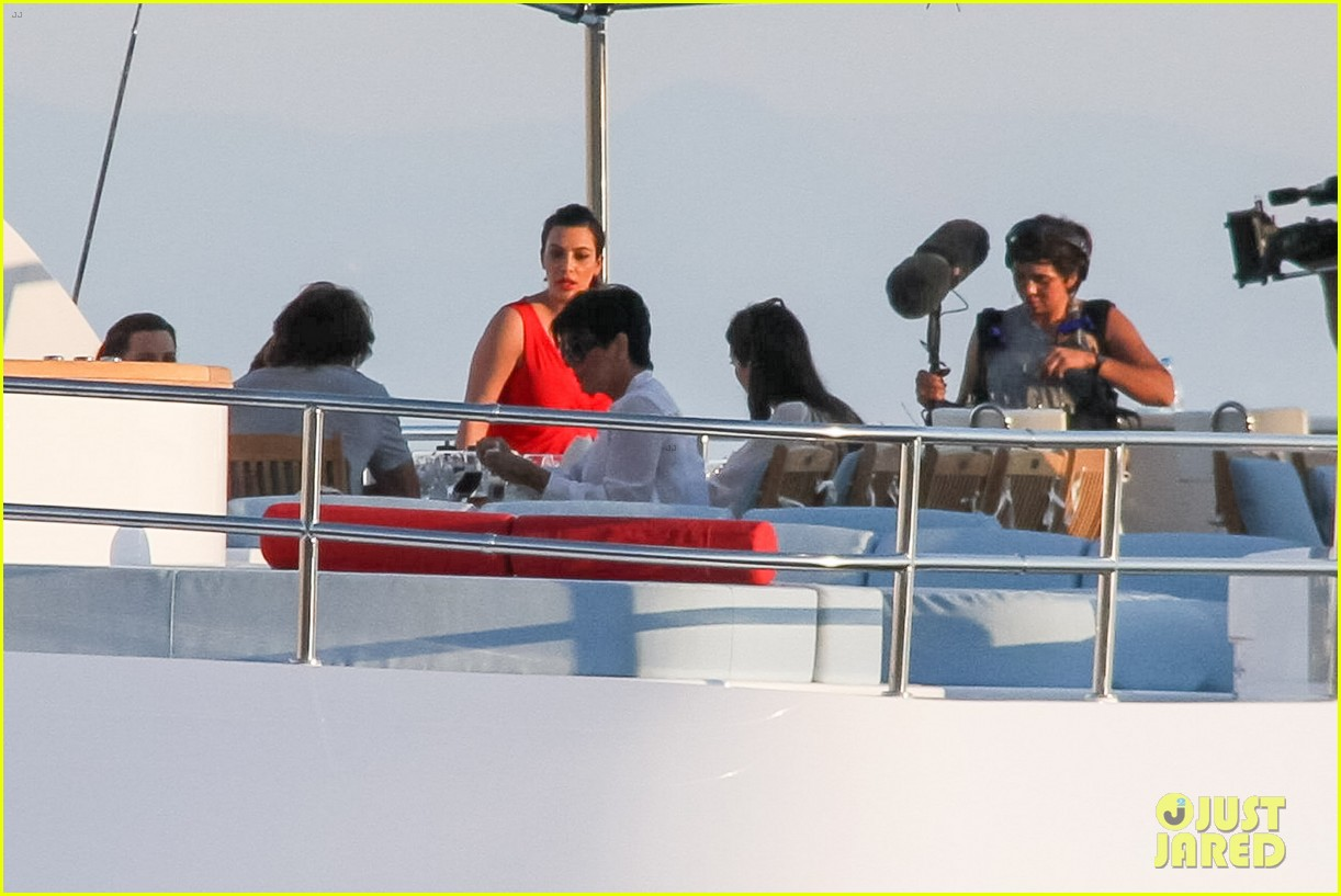 pregnant kim kardashian family boat ride in greece 372860222