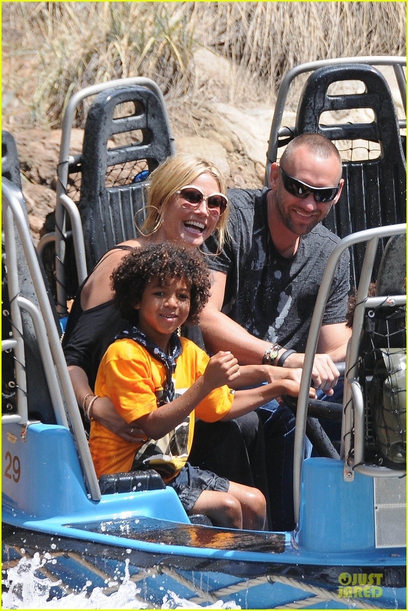 heidi klum martin kirsten disneyland fun with the kids 082844009