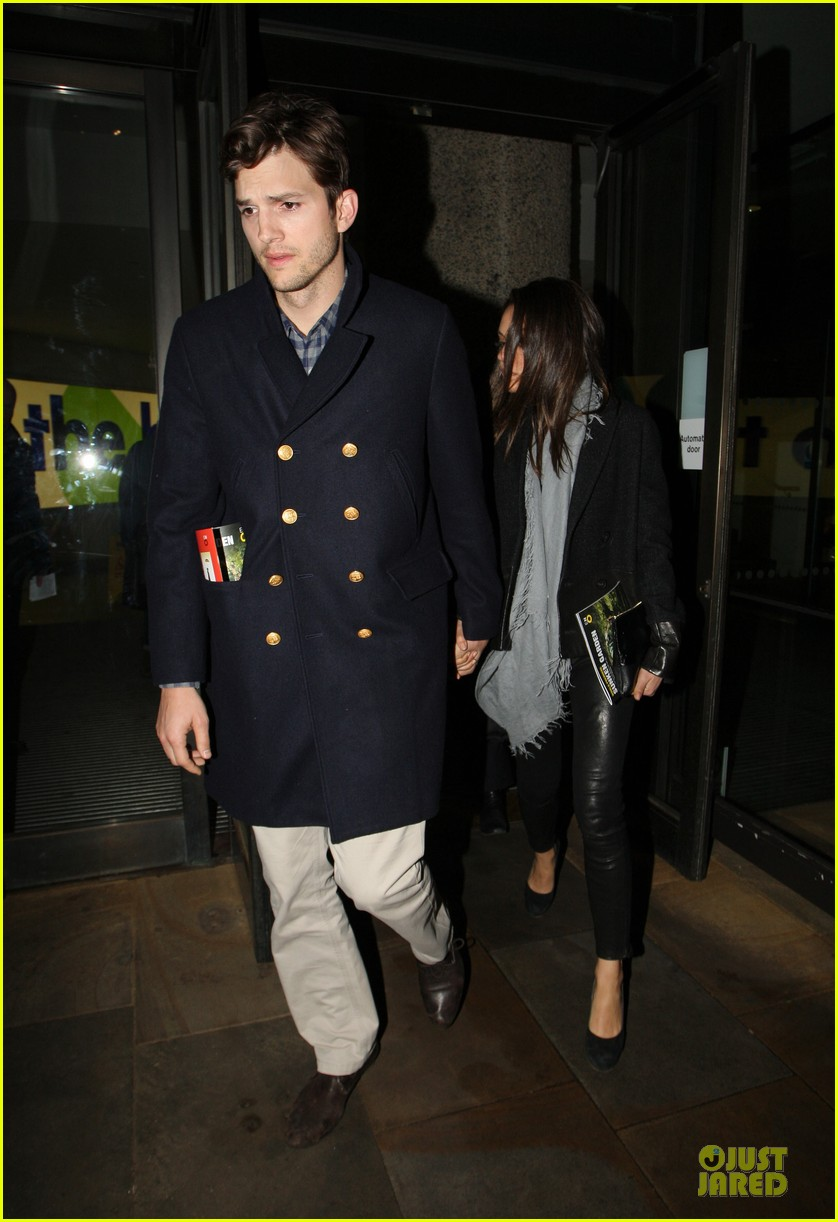 milia kunis ashton kutcher holding hands in london 08