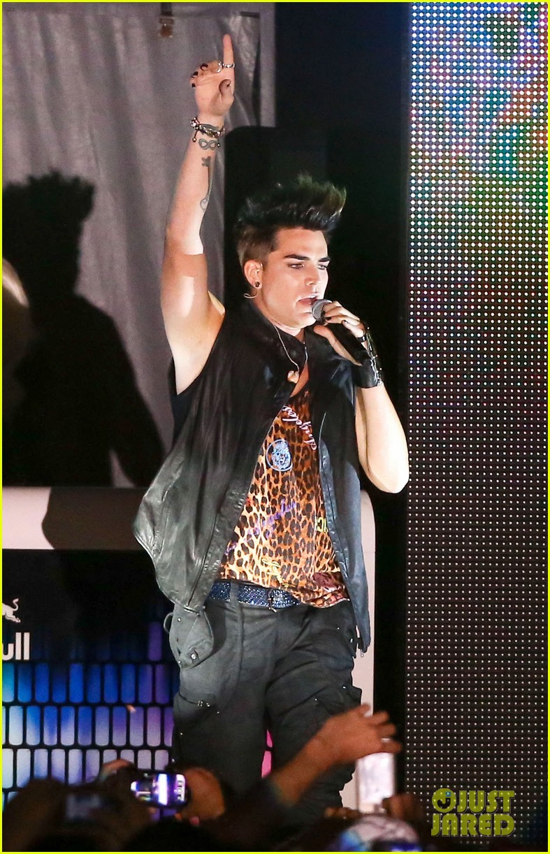 adam lambert amazing to be part of the gay movement 092850456