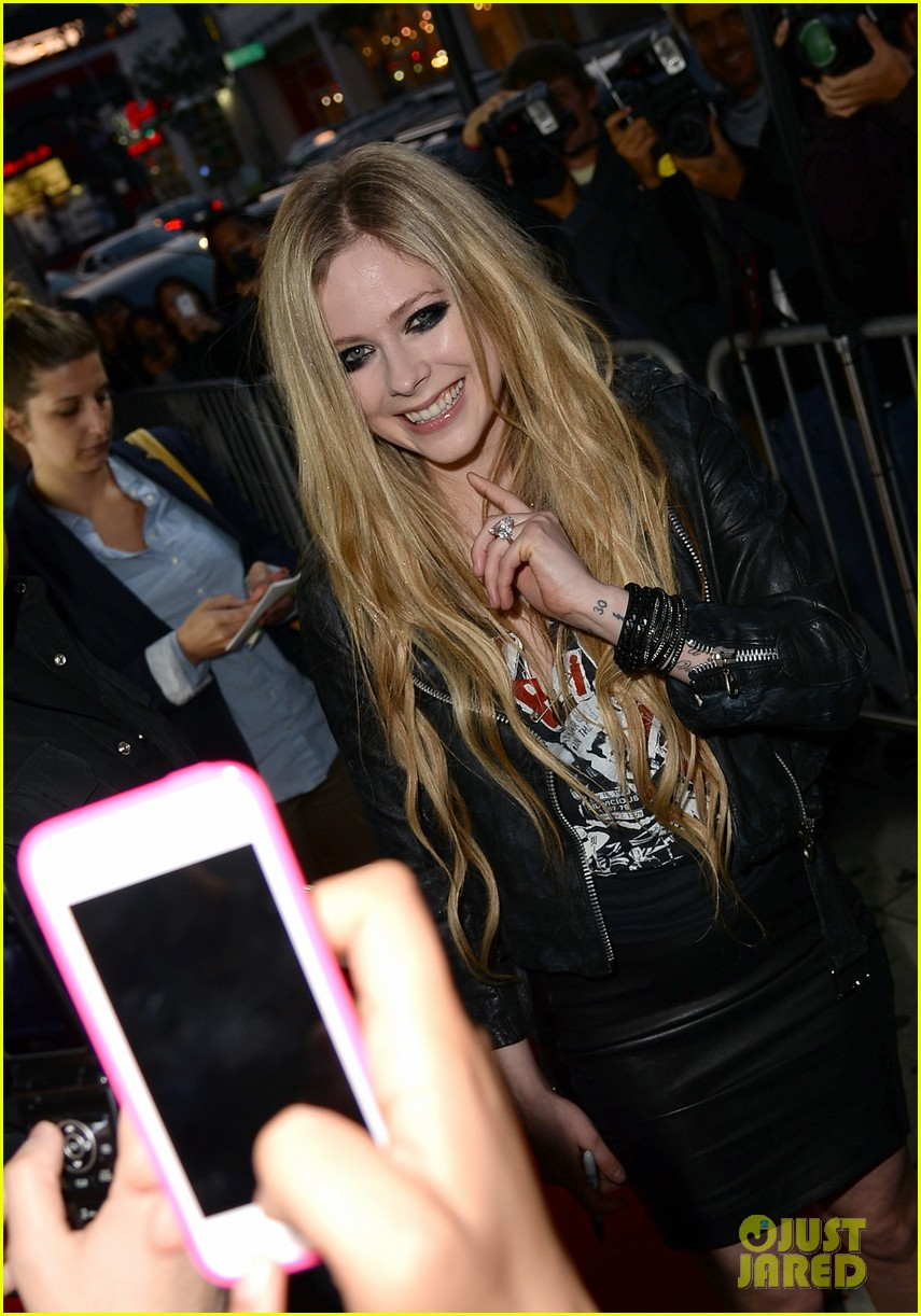 avril lavigne viper room surprise performance 062858370