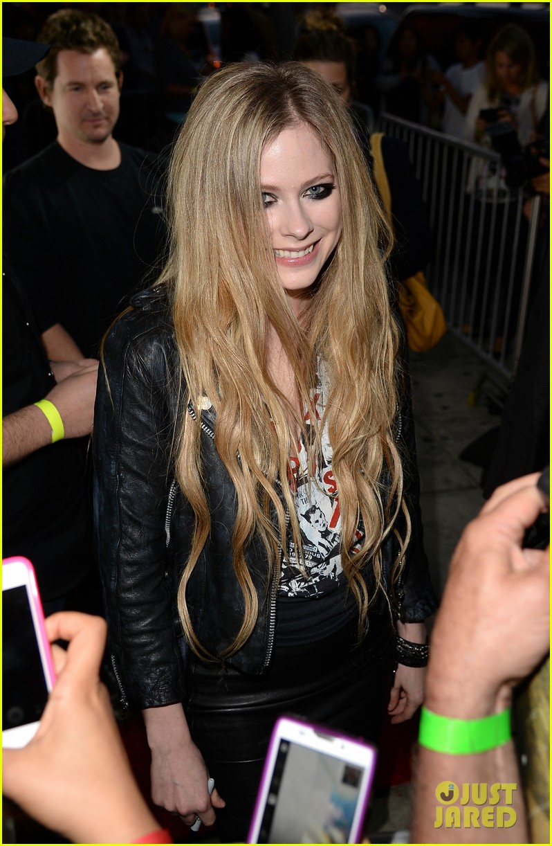 avril lavigne viper room surprise performance 072858371