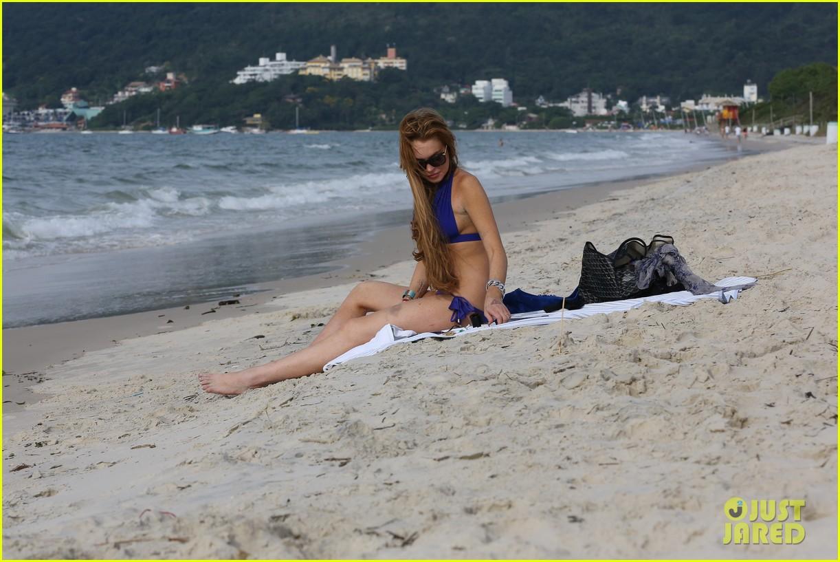 lindsay lohan bikini beach babe in brazil 35