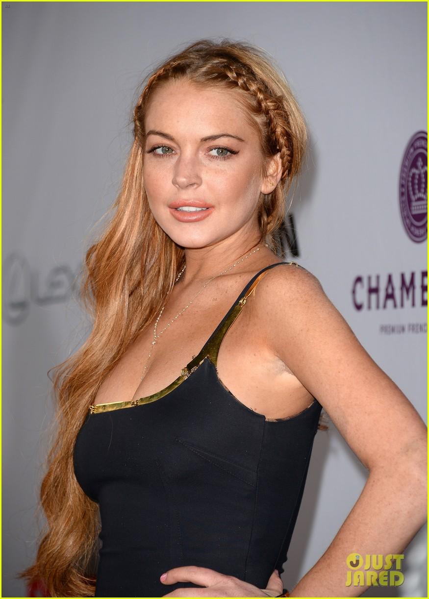 lindsay lohan scary movie 5 premiere with charlie sheen 022848026