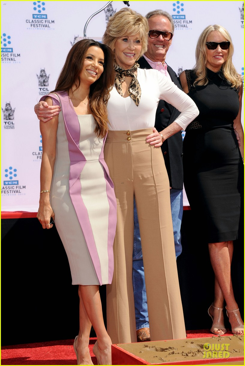 eva longoria jane fonda hollywood hand footprint ceremony 06