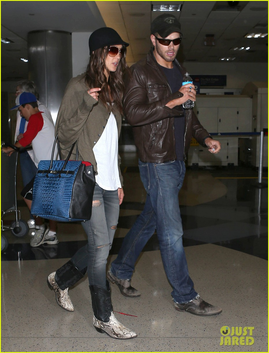 kellan lutz sharni vinson lax lovebirds 01