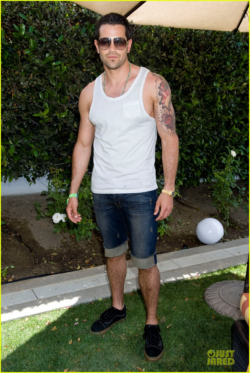jesse metcalfe josh henderson justjared armani exchange music festival brunch 10