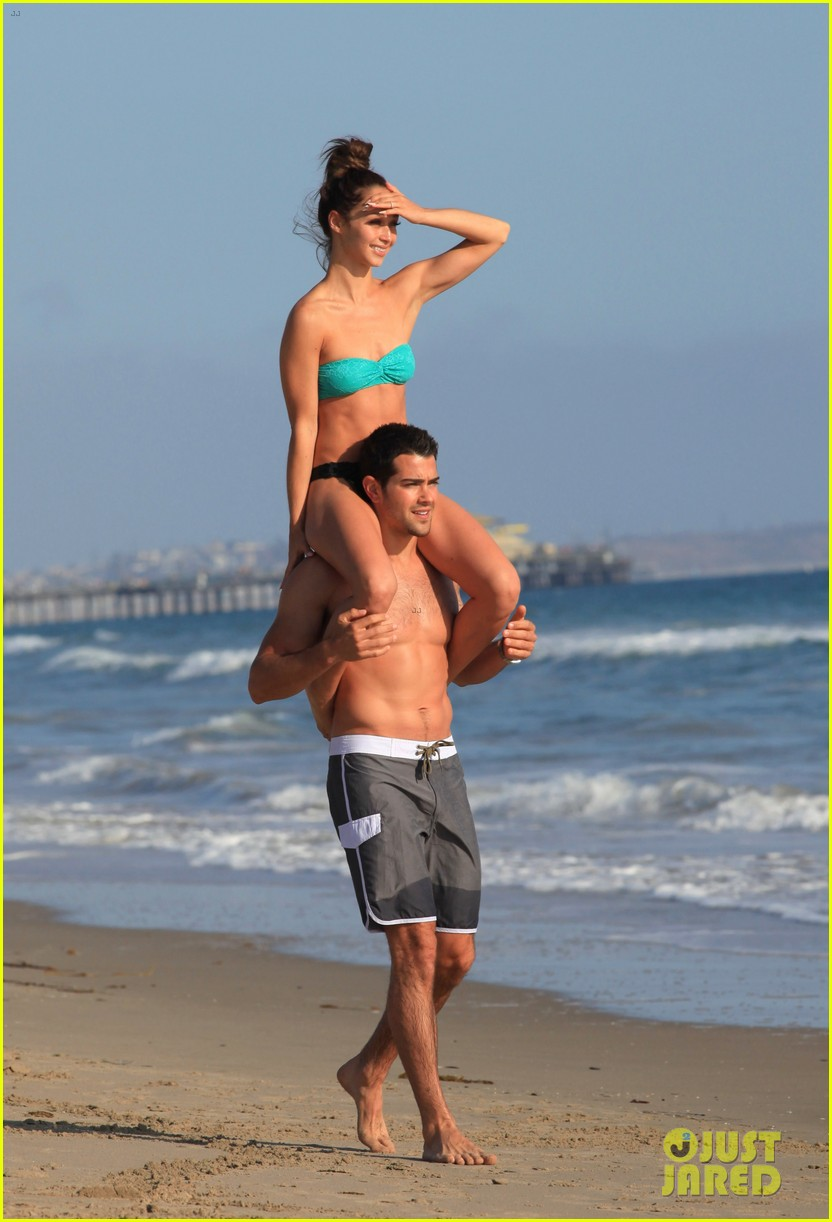 jesse metcalfe shirtless six pack beach stud 262860648