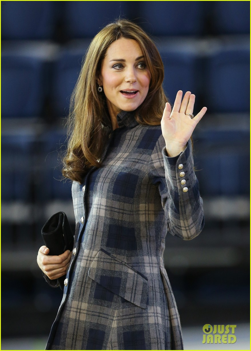 kate middleton pregnant emirates arena visit with prince william 042843107