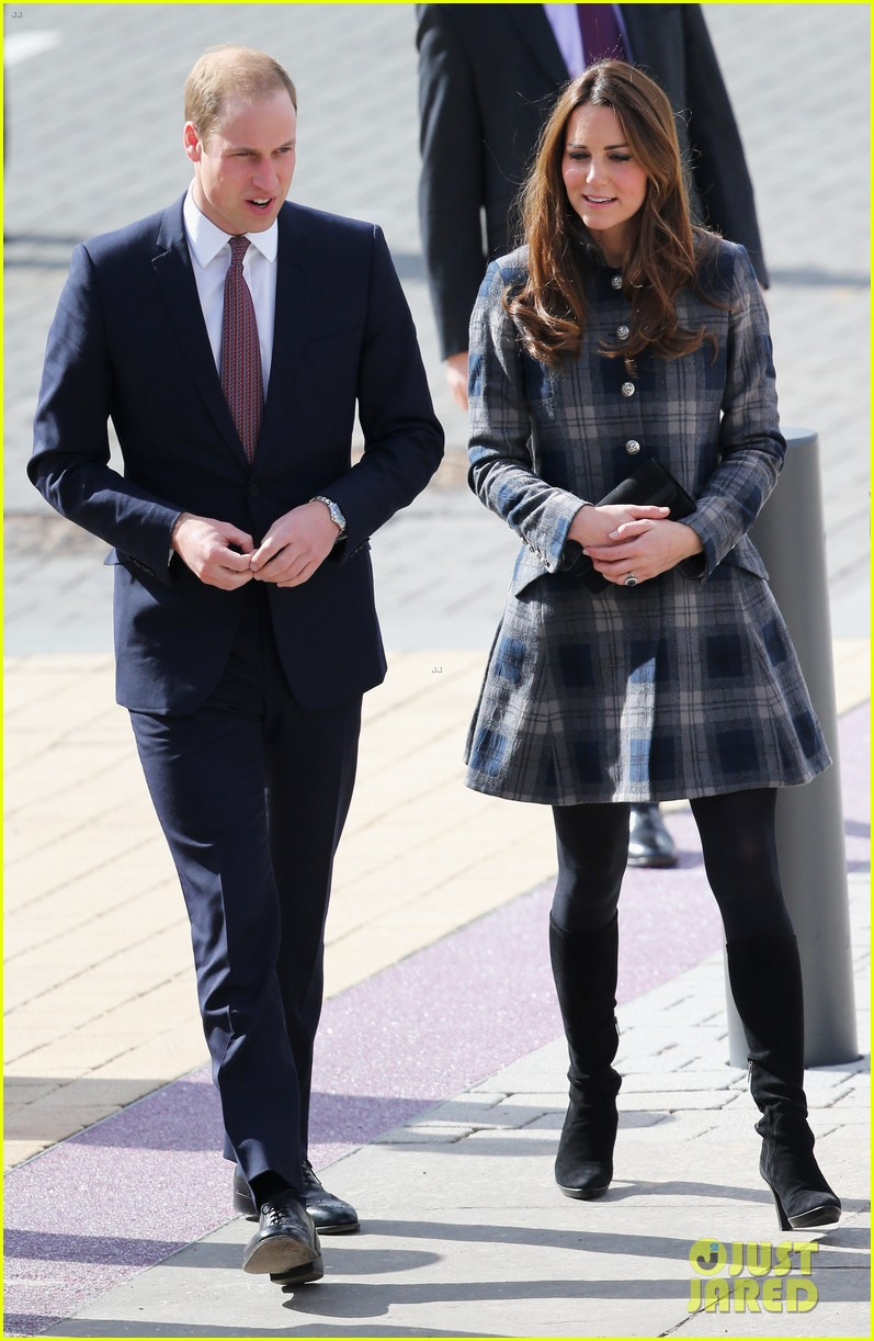 kate middleton pregnant emirates arena visit with prince william 052843108