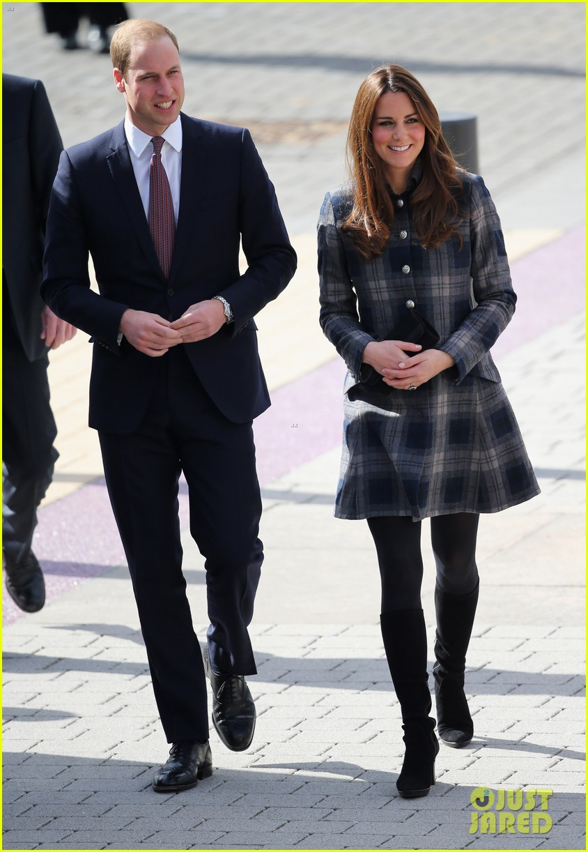kate middleton pregnant emirates arena visit with prince william 10