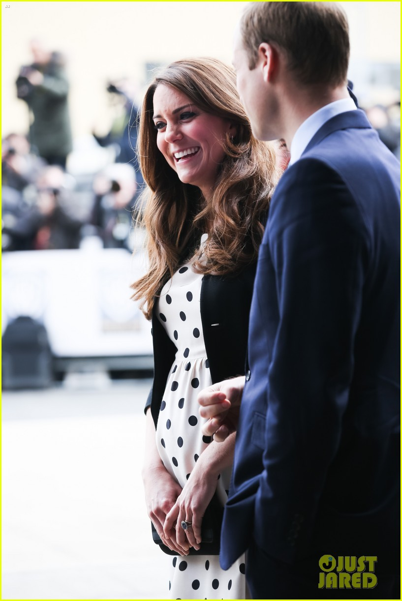 kate middleton prince william harry potter wand battle 16