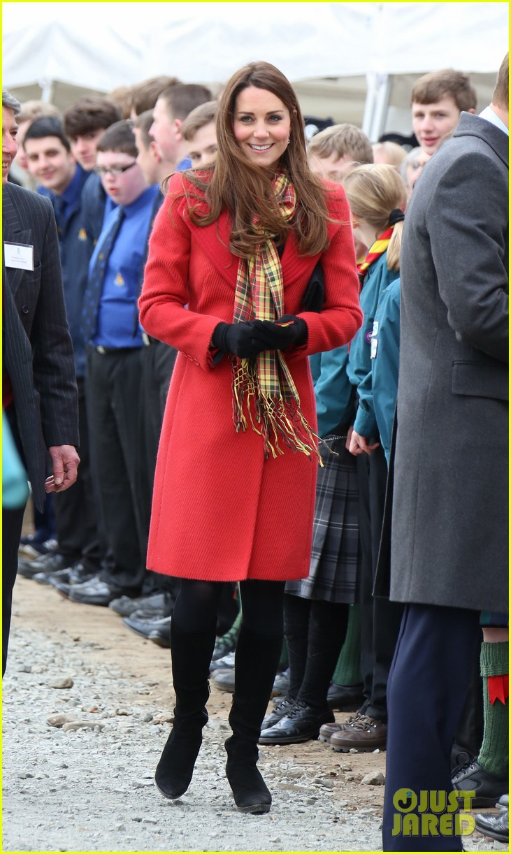 kate middleton pregnant tamar manoukian center opening 13