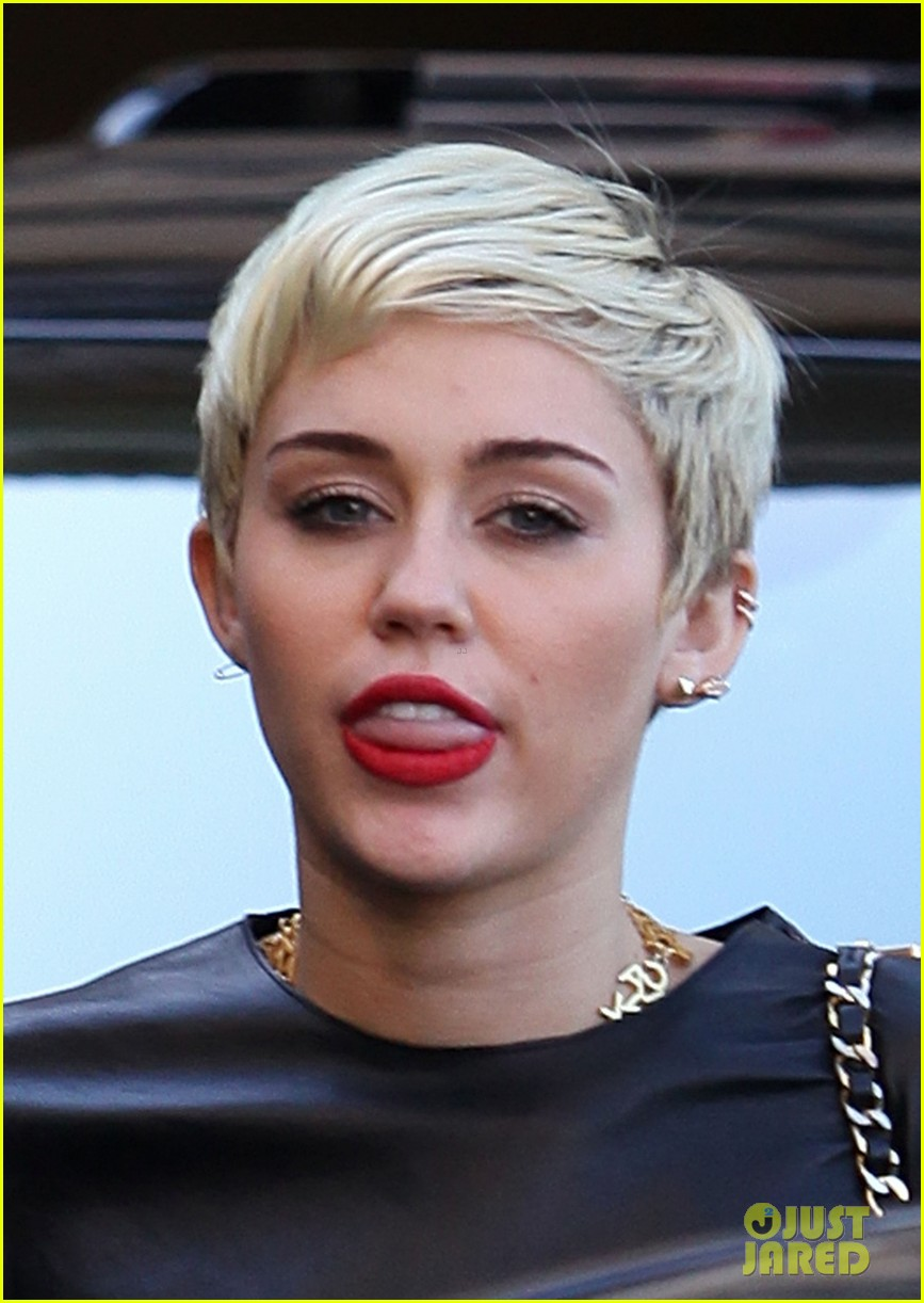 miley cyrus liam hemsworth separate cali outings 202856388